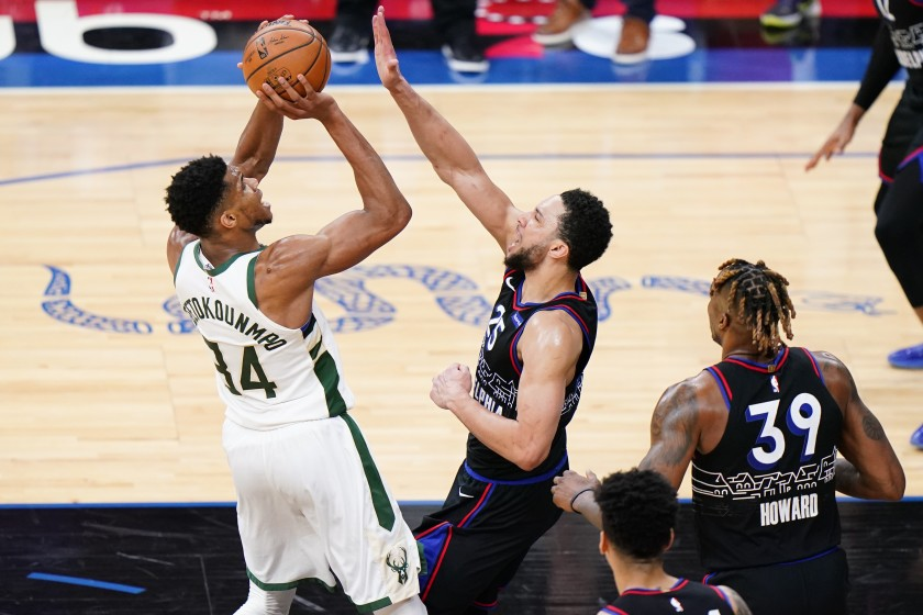 Nhận định Milwaukee Bucks vs Philadelphia 76ers, 23/4, NBA